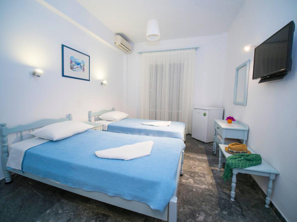 Double room in Batsi